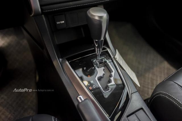 Đắt hơn 166 triệu Đồng so với Mazda3, Toyota Corolla Altis 2.0V Sport có gì để cạnh tranh? - Ảnh 16.