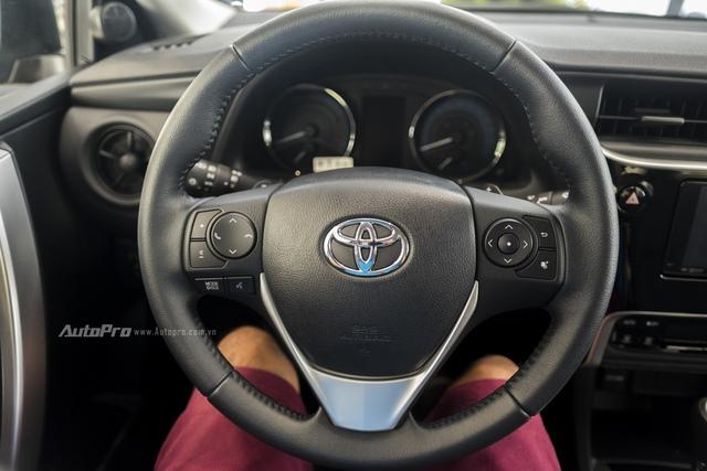Đắt hơn 166 triệu Đồng so với Mazda3, Toyota Corolla Altis 2.0V Sport có gì để cạnh tranh? - Ảnh 11.