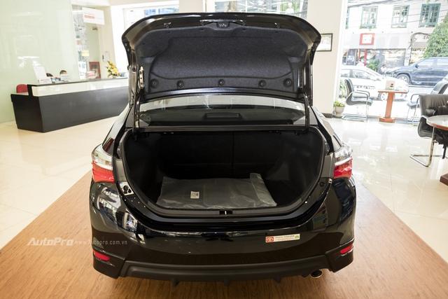 Đắt hơn 166 triệu Đồng so với Mazda3, Toyota Corolla Altis 2.0V Sport có gì để cạnh tranh? - Ảnh 7.