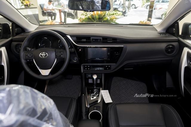Đắt hơn 166 triệu Đồng so với Mazda3, Toyota Corolla Altis 2.0V Sport có gì để cạnh tranh? - Ảnh 9.