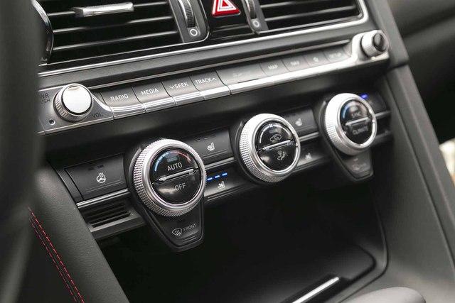 Đây là diện mạo bằng xương, bằng thịt của sedan thể thao Genesis G70 mới ra mắt - Ảnh 12.