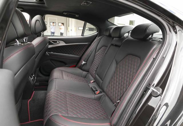 Đây là diện mạo bằng xương, bằng thịt của sedan thể thao Genesis G70 mới ra mắt - Ảnh 19.