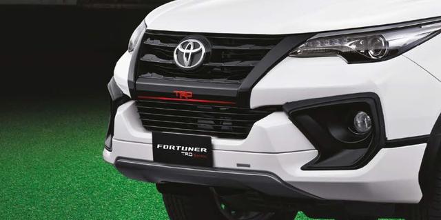 Toyota Fortuner TRD Sportivo 2017 tiếp tục ra mắt châu Á với giá cao hơn - Ảnh 2.