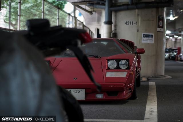 Siêu bò Lamborghini Countach bản đặc biệt mất 1 bánh và bị lãng quên trong bãi gửi xe - Ảnh 6.