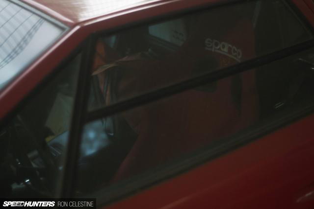 Siêu bò Lamborghini Countach bản đặc biệt mất 1 bánh và bị lãng quên trong bãi gửi xe - Ảnh 7.