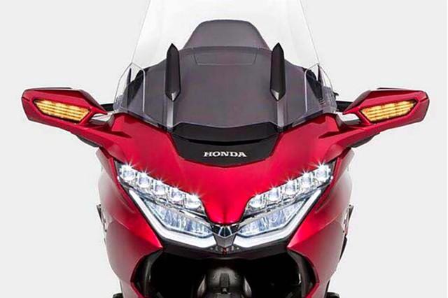Ông vua đường trường Honda Goldwing 2018 hiện nguyên hình trước ngày ra mắt - Ảnh 2.