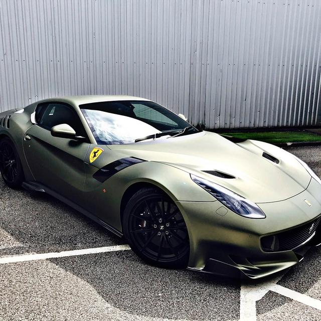 Làm quen với quái vật Ferrari F12tdf màu xanh lục nhám tuyệt đẹp - Ảnh 6.