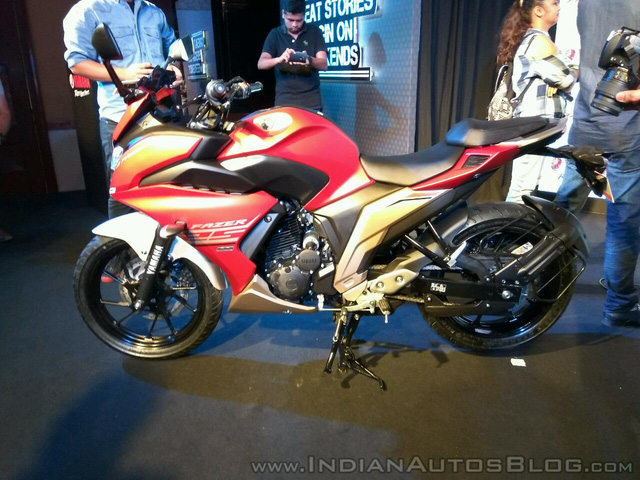 Mô tô dưới 50 triệu Đồng Yamaha Fazer 25 bắt đầu được bày bán - Ảnh 4.