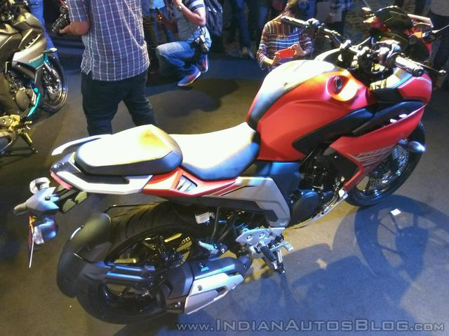 Mô tô dưới 50 triệu Đồng Yamaha Fazer 25 bắt đầu được bày bán - Ảnh 5.