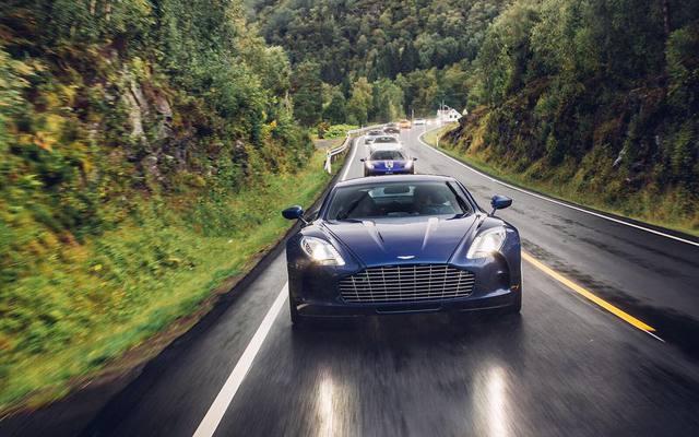 Phát thèm với bộ sưu tập siêu xe khủng của đại gia bí ẩn đặt mua Rolls-Royce Sweptail 13 triệu USD - Ảnh 3.