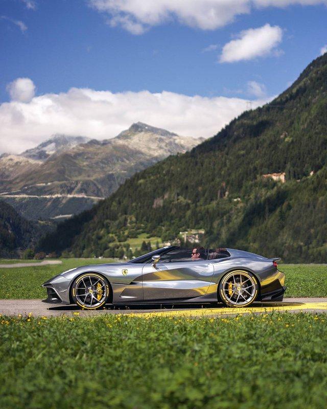 Phát thèm với bộ sưu tập siêu xe khủng của đại gia bí ẩn đặt mua Rolls-Royce Sweptail 13 triệu USD - Ảnh 11.
