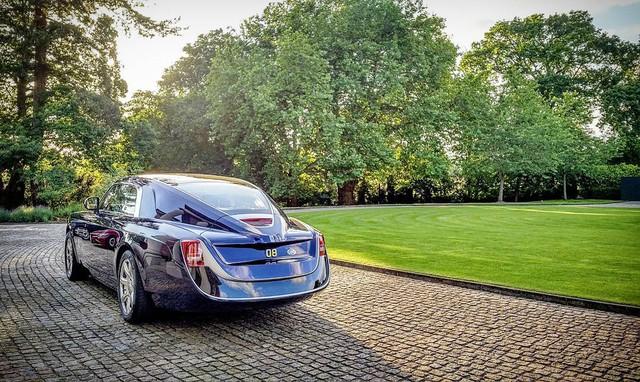 Phát thèm với bộ sưu tập siêu xe khủng của đại gia bí ẩn đặt mua Rolls-Royce Sweptail 13 triệu USD - Ảnh 14.