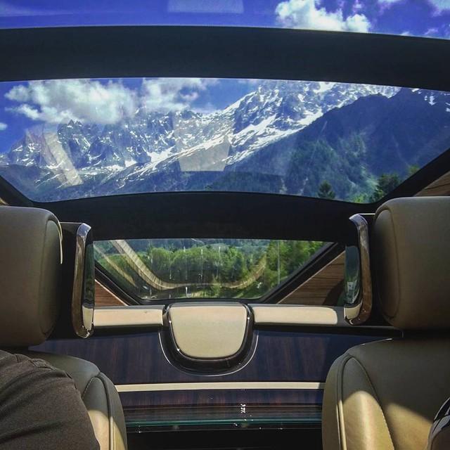 Phát thèm với bộ sưu tập siêu xe khủng của đại gia bí ẩn đặt mua Rolls-Royce Sweptail 13 triệu USD - Ảnh 15.
