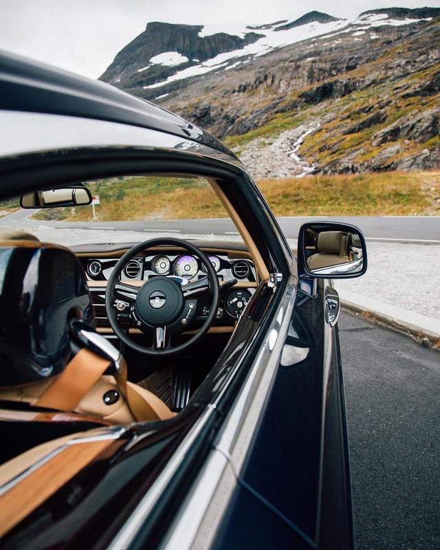 Phát thèm với bộ sưu tập siêu xe khủng của đại gia bí ẩn đặt mua Rolls-Royce Sweptail 13 triệu USD - Ảnh 16.