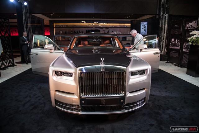 Xe siêu sang Rolls-Royce Phantom 2018 có giá khởi điểm lên gần 744.000 USD - Ảnh 2.