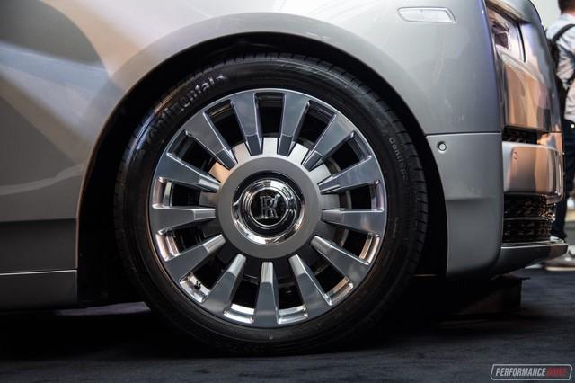 Xe siêu sang Rolls-Royce Phantom 2018 có giá khởi điểm lên gần 744.000 USD - Ảnh 7.