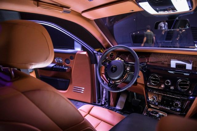Xe siêu sang Rolls-Royce Phantom 2018 có giá khởi điểm lên gần 744.000 USD - Ảnh 8.