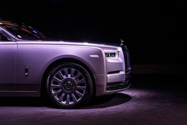 Xe siêu sang Rolls-Royce Phantom 2018 có giá khởi điểm lên gần 744.000 USD - Ảnh 15.