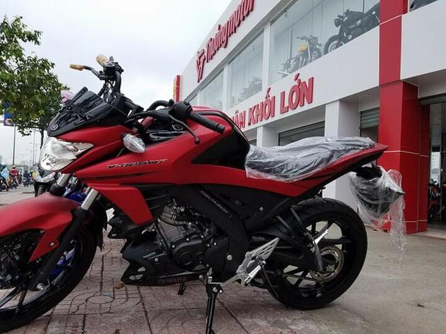 Lô xe côn tay Yamaha V-Ixion R 2017 đầu tiên cập bến Việt Nam với giá hơn 70 triệu Đồng - Ảnh 1.