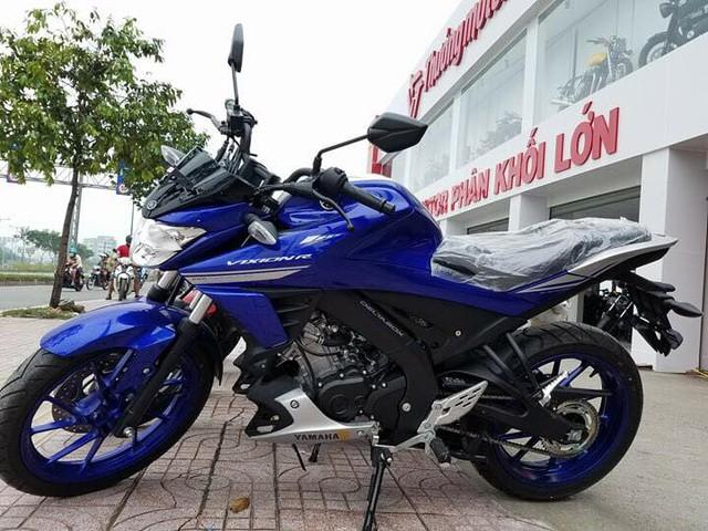 Lô xe côn tay Yamaha V-Ixion R 2017 đầu tiên cập bến Việt Nam với giá hơn 70 triệu Đồng - Ảnh 2.