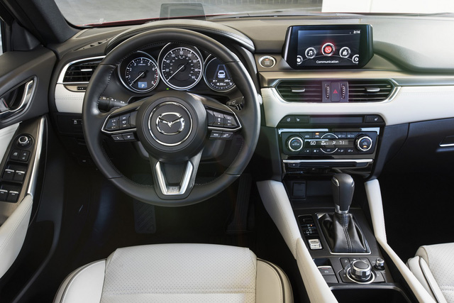 Toyota Camry và Honda Accord lần lượt sang thế hệ mới, Mazda vội bổ sung phiên bản 2017.5 cho Mazda6 - Ảnh 2.