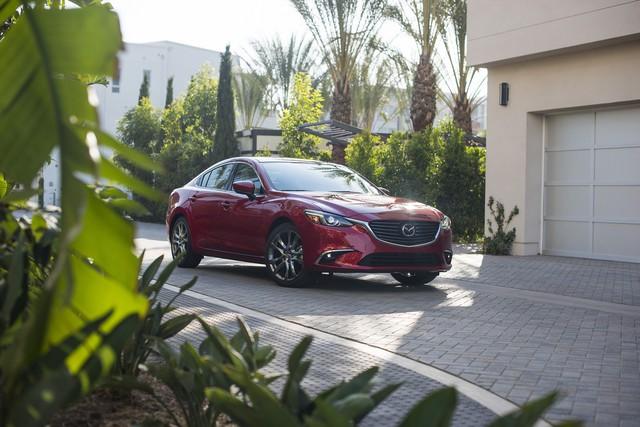 Toyota Camry và Honda Accord lần lượt sang thế hệ mới, Mazda vội bổ sung phiên bản 2017.5 cho Mazda6 - Ảnh 3.