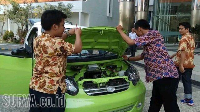 Trong khi người Việt đang ngóng chờ xe Vinfast thì một trường ở Indonesia đã phát triển được ô tô giá 6.000 USD - Ảnh 4.