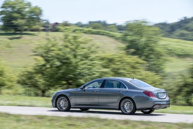 Mercedes-Benz S-Class 2018 có giá khởi điểm thấp hơn phiên bản cũ - Ảnh 1.