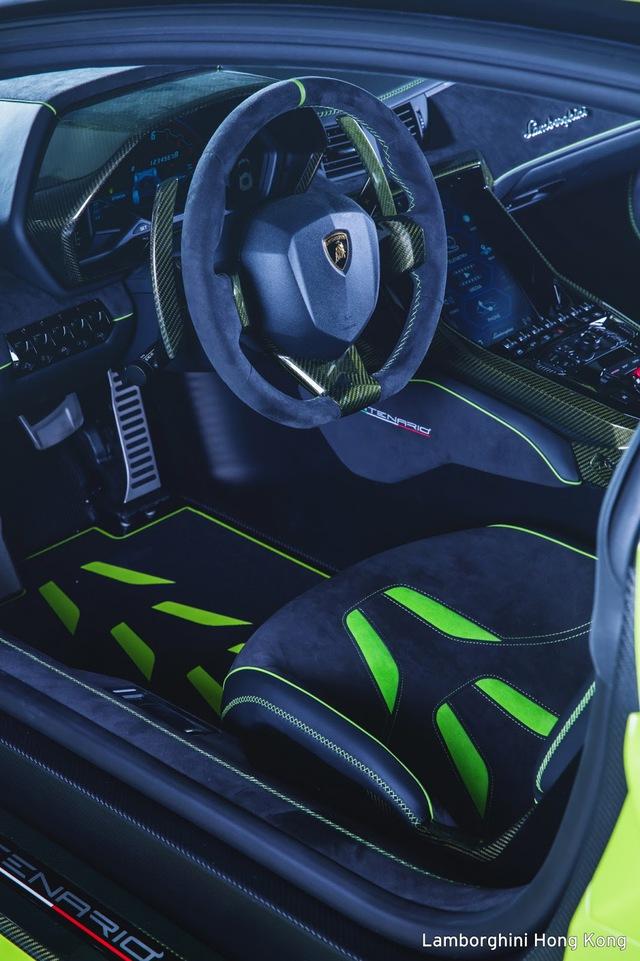 Mãn nhãn với Lamborghini Centenario màu xanh cốm nhám tuyệt đẹp của đại gia châu Á - Ảnh 4.