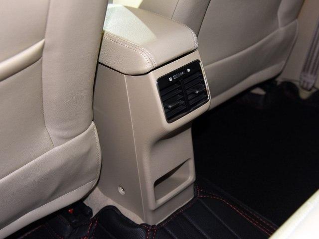Sedan cỡ nhỏ Suzuki Ciaz 2017 được chốt giá, chỉ từ 324 triệu Đồng - Ảnh 6.