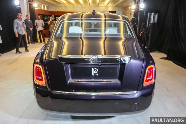 Xe siêu sang Rolls-Royce Phantom 2018 ra mắt Đông Nam Á với giá chưa thuế từ 11,8 tỷ Đồng - Ảnh 3.