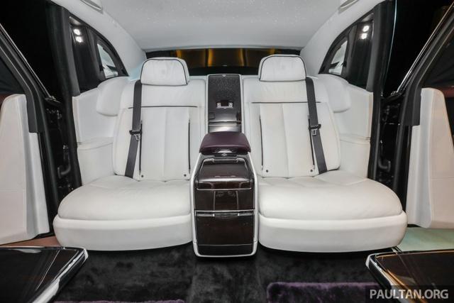 Xe siêu sang Rolls-Royce Phantom 2018 ra mắt Đông Nam Á với giá chưa thuế từ 11,8 tỷ Đồng - Ảnh 14.