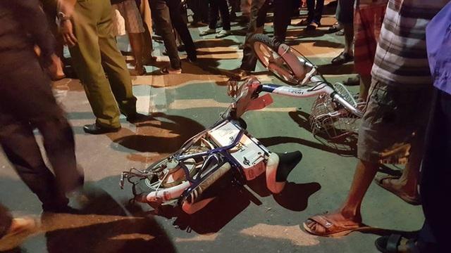 Video nữ sinh lớp 9 bị xe tải kéo lê trên đường và tử vong khi đi học thêm về tại Đà Nẵng - Ảnh 3.