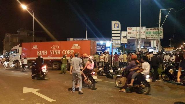Video nữ sinh lớp 9 bị xe tải kéo lê trên đường và tử vong khi đi học thêm về tại Đà Nẵng - Ảnh 4.