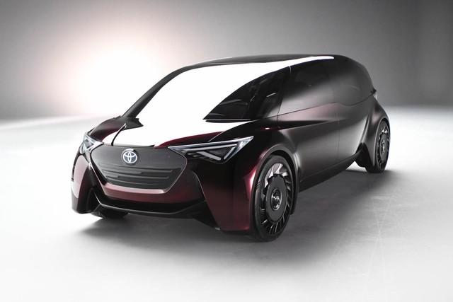 Toyota Fine-Comfort Vehicle: Trông như xe minivan nhưng lại được gọi là sedan cao cấp - Ảnh 1.