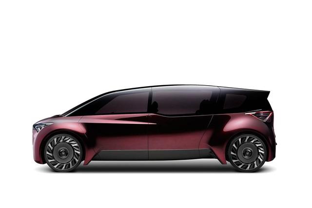 Toyota Fine-Comfort Vehicle: Trông như xe minivan nhưng lại được gọi là sedan cao cấp - Ảnh 2.