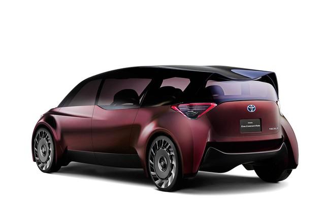 Toyota Fine-Comfort Vehicle: Trông như xe minivan nhưng lại được gọi là sedan cao cấp - Ảnh 3.
