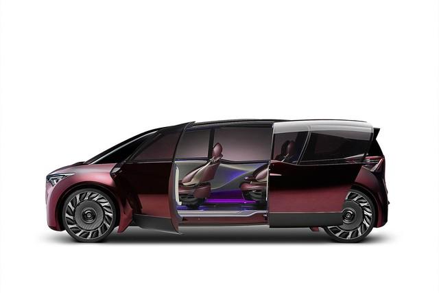 Toyota Fine-Comfort Vehicle: Trông như xe minivan nhưng lại được gọi là sedan cao cấp - Ảnh 5.