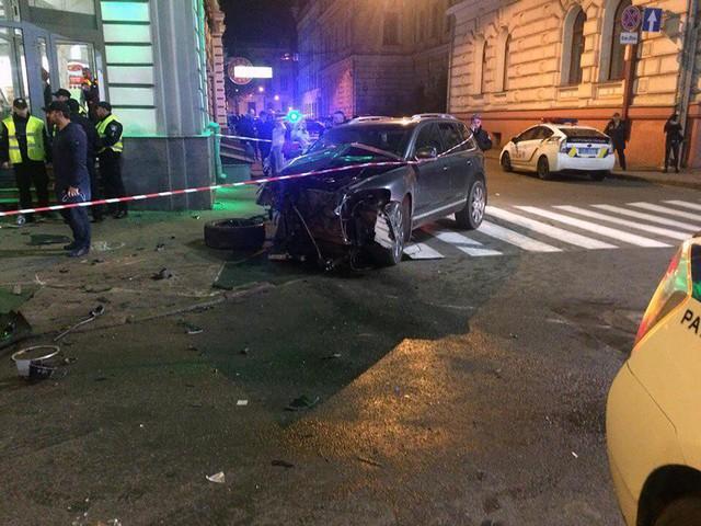 Con gái triệu phú Ukraine lái xe Lexus vượt đèn đỏ, gây tai nạn liên hoàn khiến 6 người tử vong - Ảnh 8.