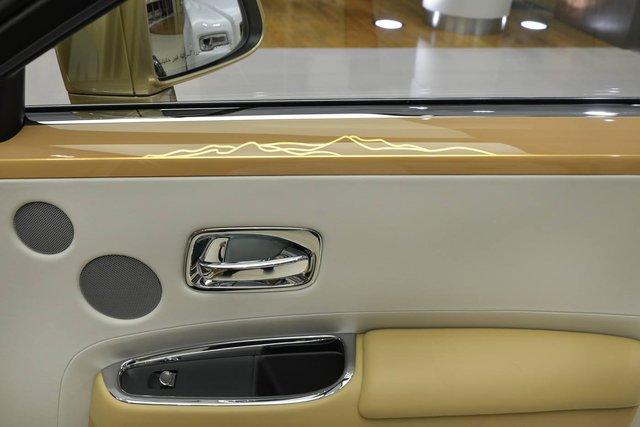 Cận cảnh xe siêu sang Rolls-Royce Ghost mang cảm hứng ốc đảo trên sa mạc - Ảnh 11.
