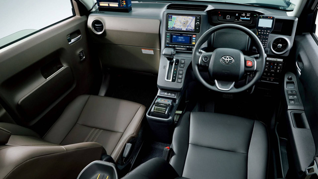 Toyota JPN Taxi - Xe taxi chuyên dụng giá cao - Ảnh 8.