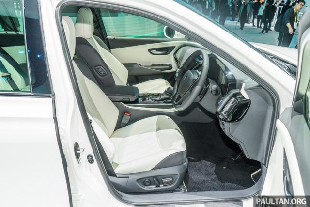 Sedan hạng sang cỡ lớn Toyota Crown Concept ra mắt tại quê nhà - Ảnh 11.