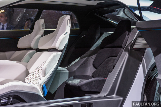 SUV công nghệ cao Mitsubishi e-Evolution Concept được vén màn - Ảnh 8.