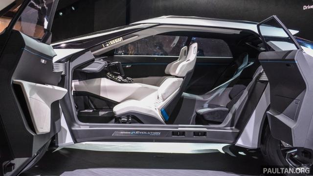 SUV công nghệ cao Mitsubishi e-Evolution Concept được vén màn - Ảnh 10.