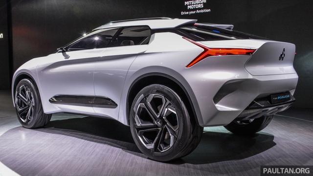 SUV công nghệ cao Mitsubishi e-Evolution Concept được vén màn - Ảnh 11.