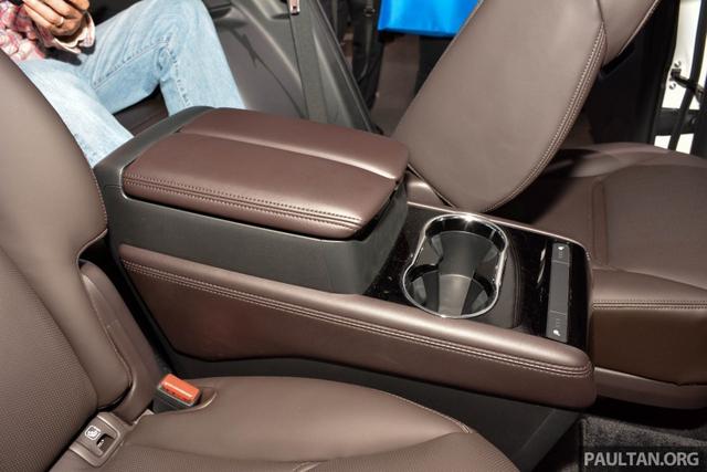 Mục sở thị vẻ đẹp ngoài đời thực của crossover 3 hàng ghế Mazda CX-8 mới - Ảnh 9.