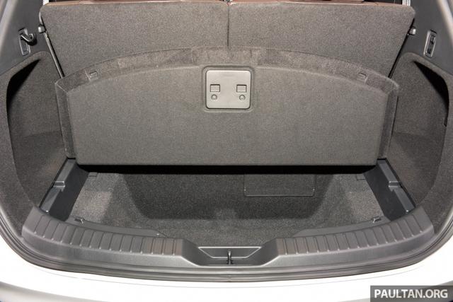 Mục sở thị vẻ đẹp ngoài đời thực của crossover 3 hàng ghế Mazda CX-8 mới - Ảnh 13.