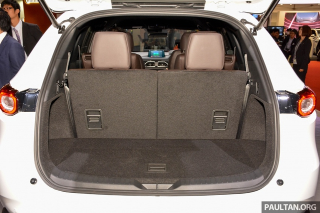 Mục sở thị vẻ đẹp ngoài đời thực của crossover 3 hàng ghế Mazda CX-8 mới - Ảnh 11.