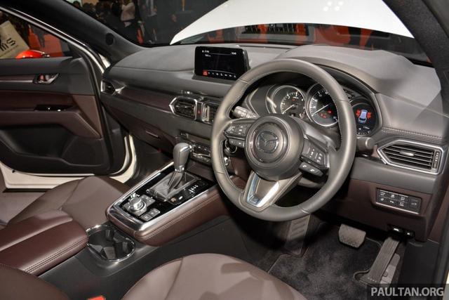 Mục sở thị vẻ đẹp ngoài đời thực của crossover 3 hàng ghế Mazda CX-8 mới - Ảnh 15.