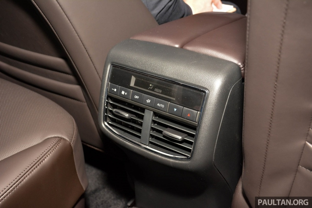 Mục sở thị vẻ đẹp ngoài đời thực của crossover 3 hàng ghế Mazda CX-8 mới - Ảnh 16.
